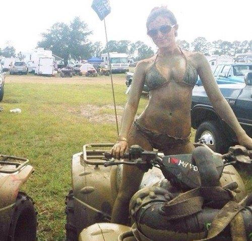 mudgirls0019