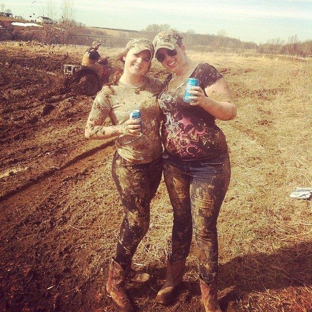 mudgirls0070