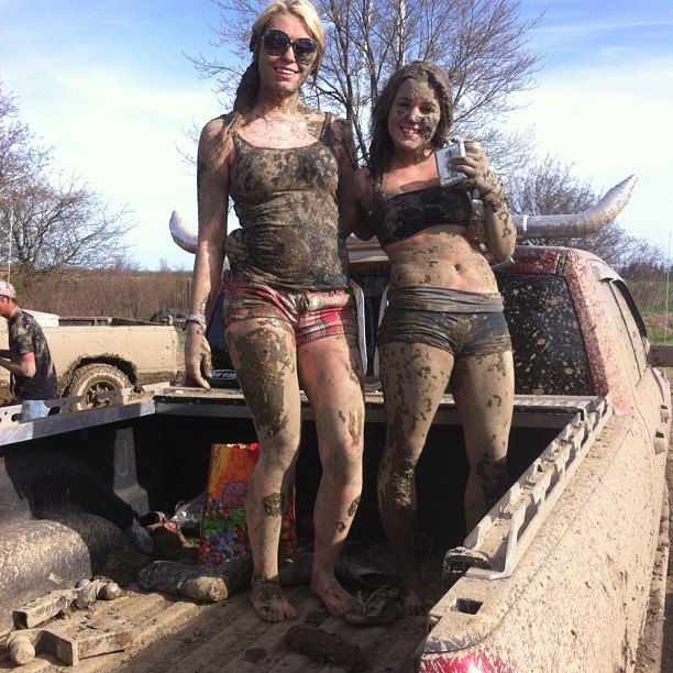 mudgirls0073