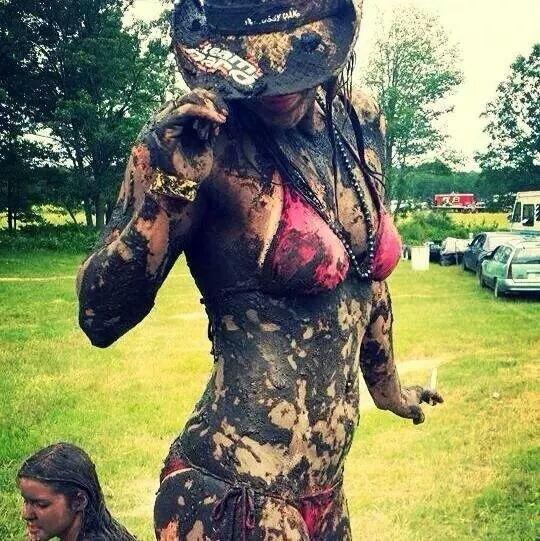 mudgirls0184