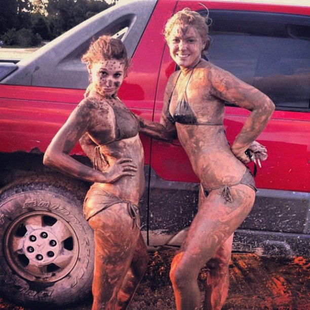 mudgirls0209