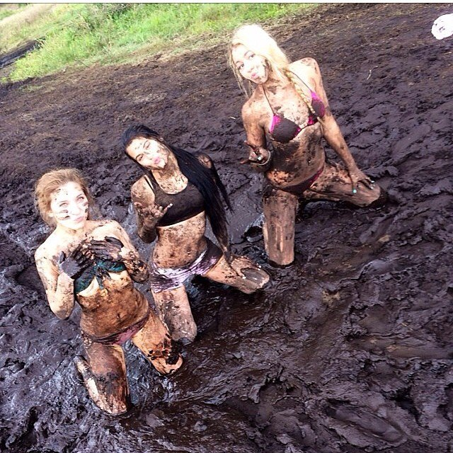 mudgirls0023