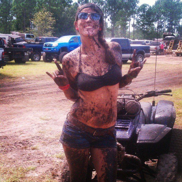 mudgirls0060