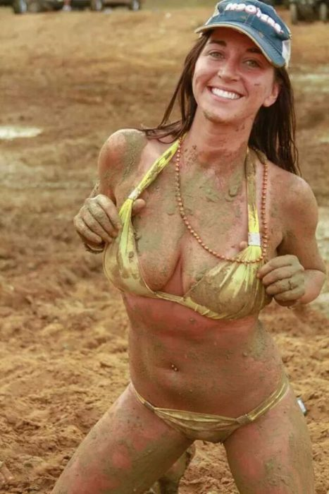 mudgirls0063