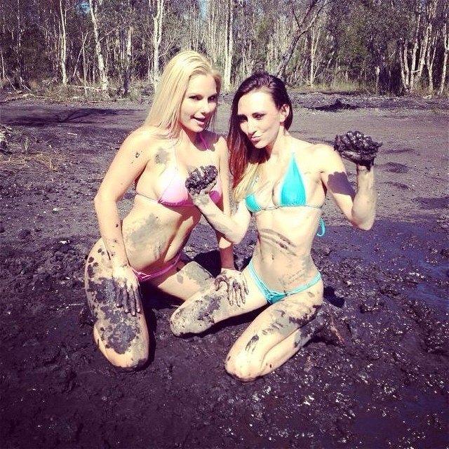 mudgirls0202