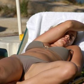 girls-and-cameltoes